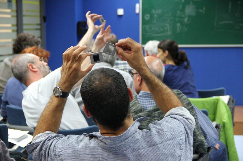 Professors fent activitats